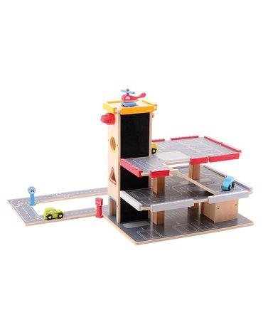 Joueco - Drewniany piętrowy garaż z parkingiem