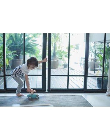 Plan Toys - Pastelowa rajdówka z kurczakiem, PLTO-5716