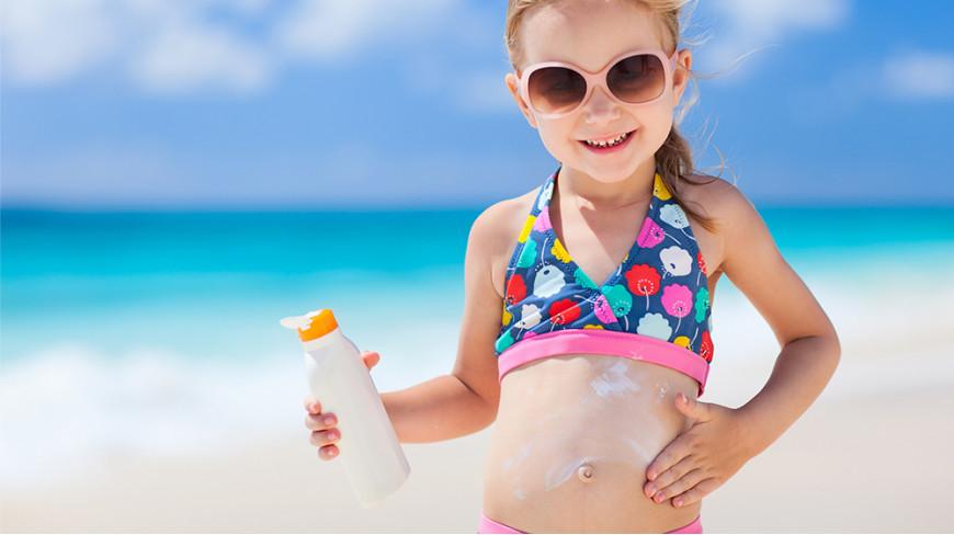 Plażowy niezbędnik maluszka - co zabrać nad wodę